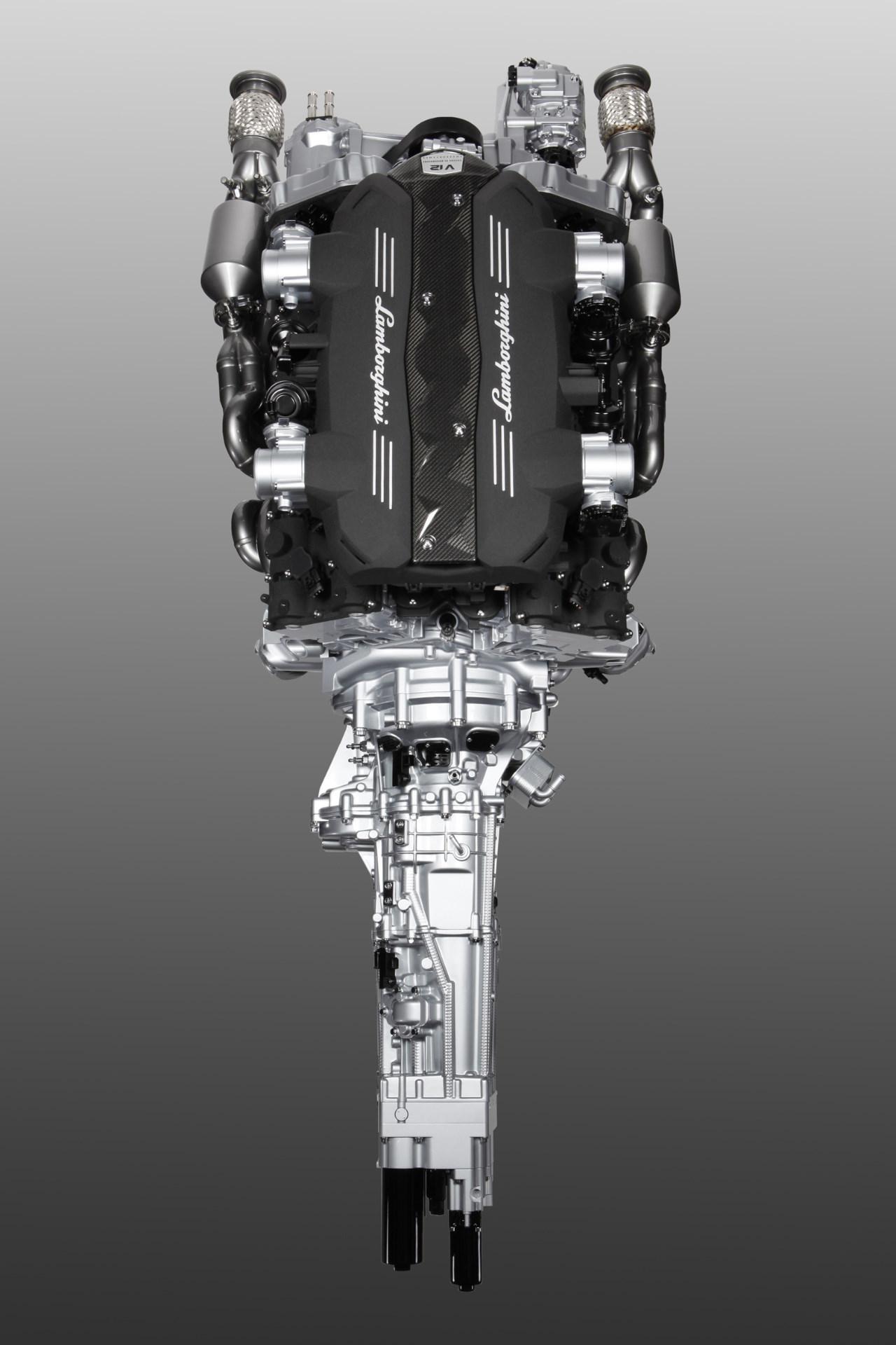 motor lamborghini v12