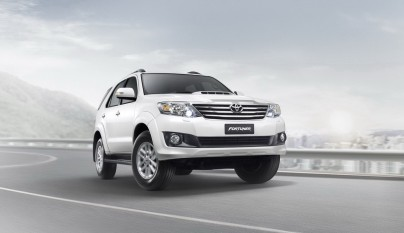 2012-toyota-fortuner-forcarscoop-8448