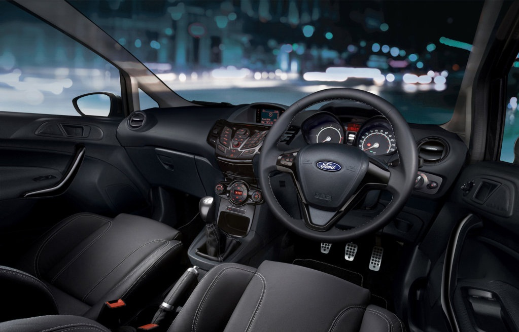 Ford Fiesta Sport Special Edition: https://www.motorafondo.net/ford-fiesta-sport-special-edition/