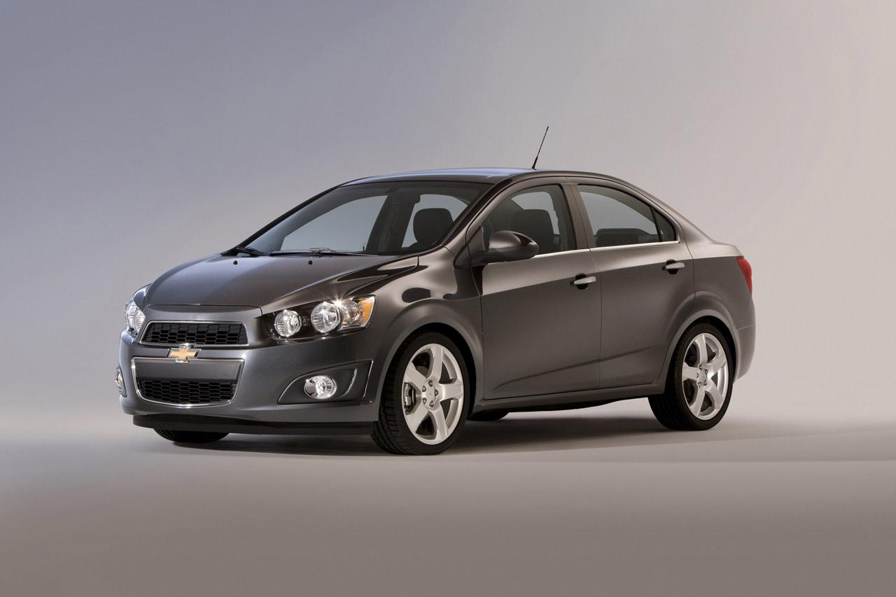 12:00 pm · Motor a Fondo · Chevrolet · México · Sedan · Sonic