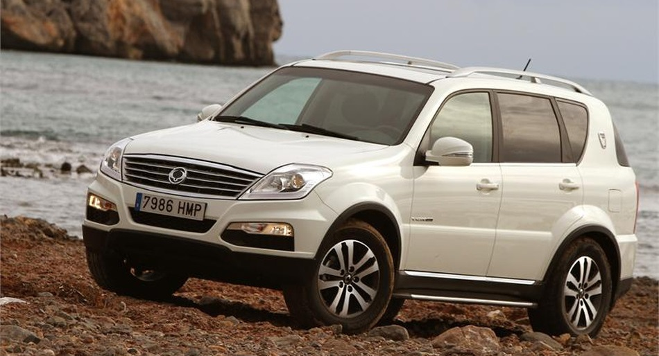 ssangyong rexton w 2013. Black Bedroom Furniture Sets. Home Design Ideas