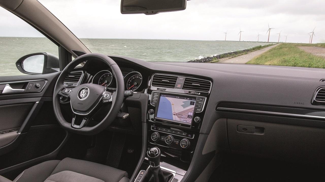 Der neue volkswagen golf variant for Interior golf variant