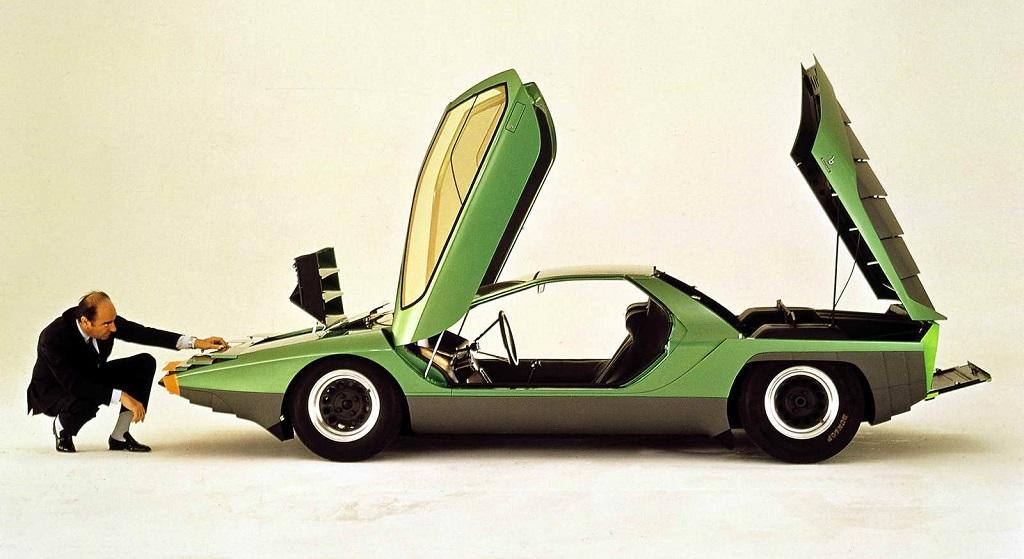 coche Bertone