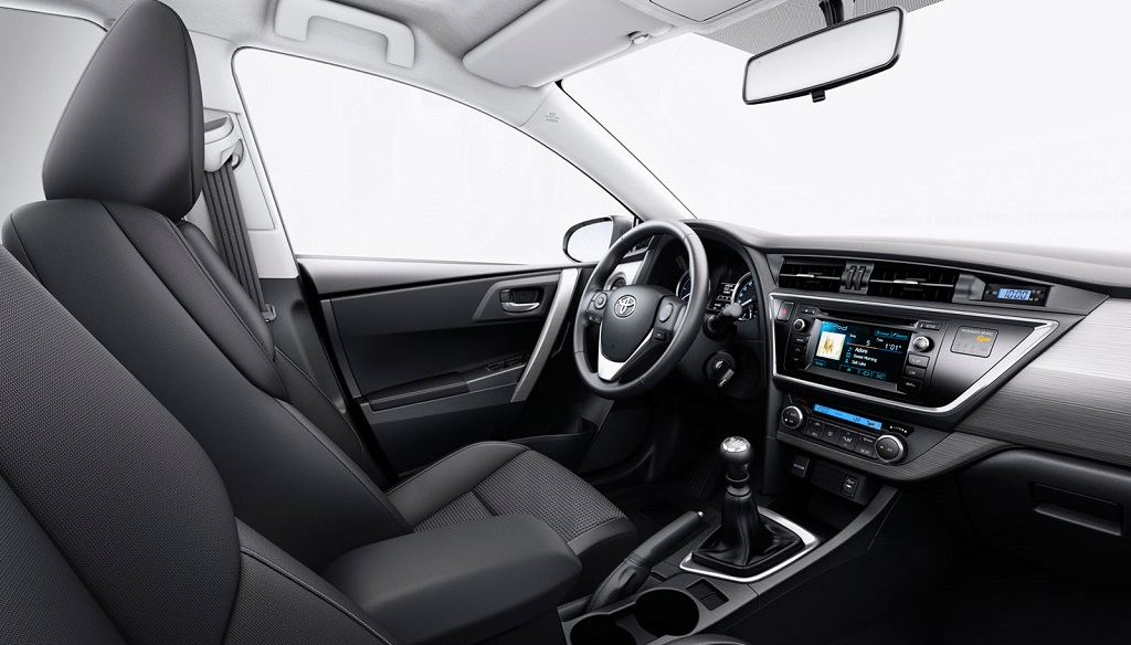 Toyota Auris interior