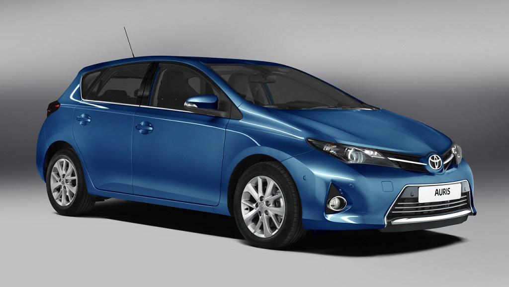 Toyota Auris azul