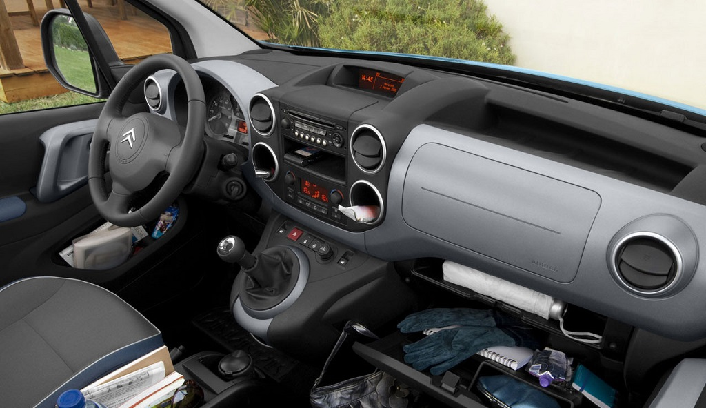 Citroen Berlingo First interior