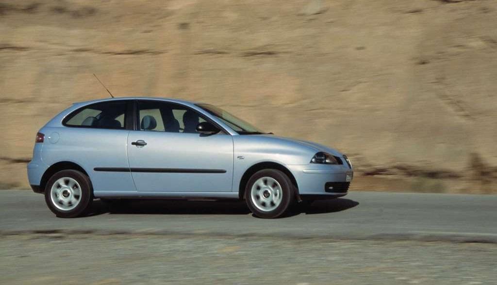 Seat Ibiza tercera generacion lateral