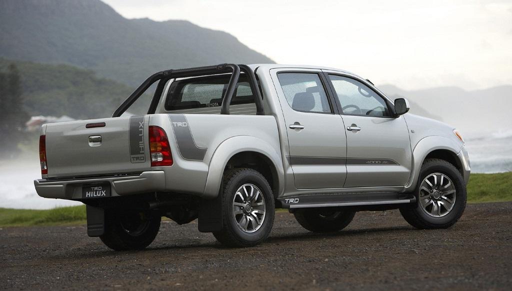 Toyota Hilux TRD zaga