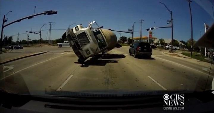 accidente camion de cemento