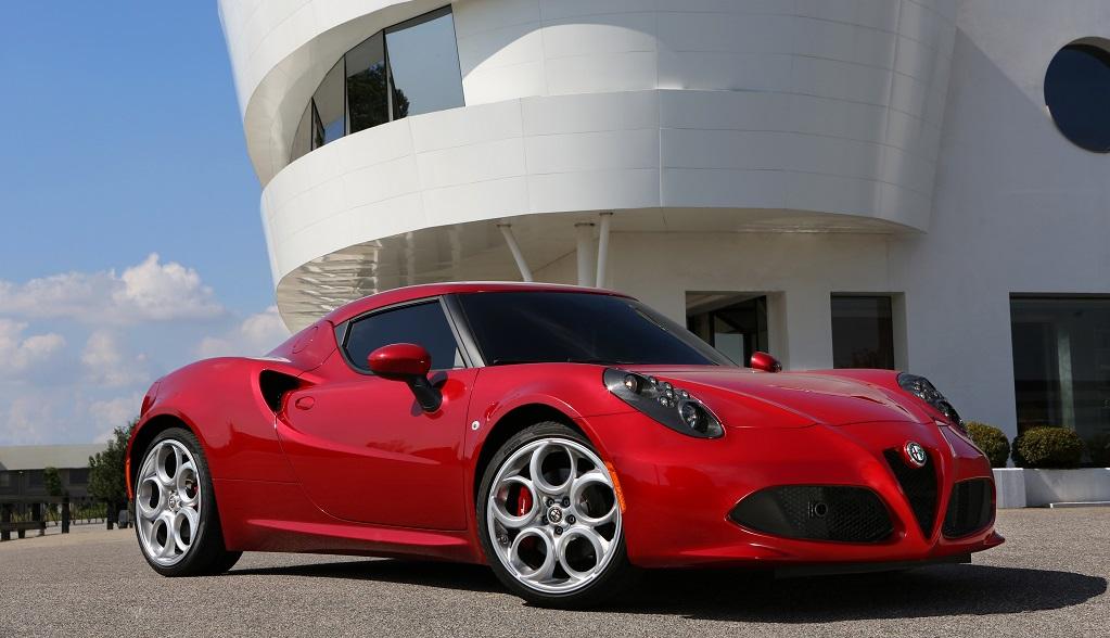 Alfa Romeo 4C rojo