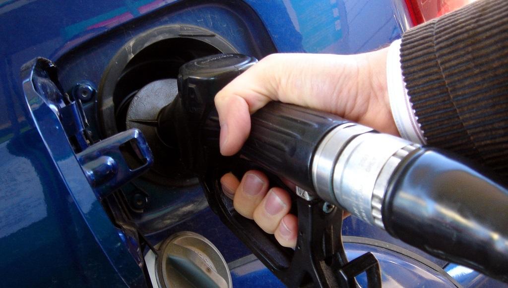 Honda dio que gasolina inundar