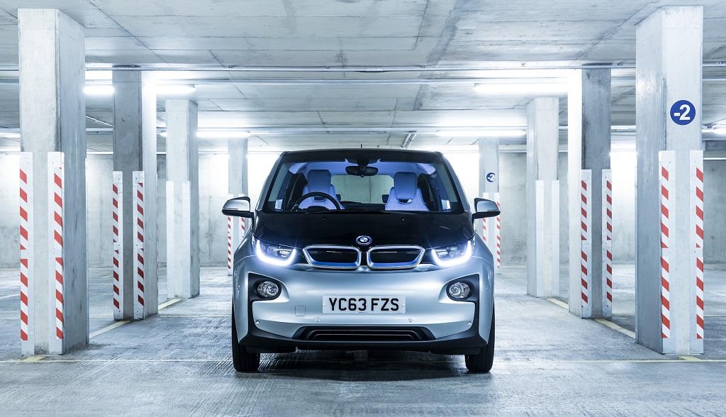 BMW i3 parking