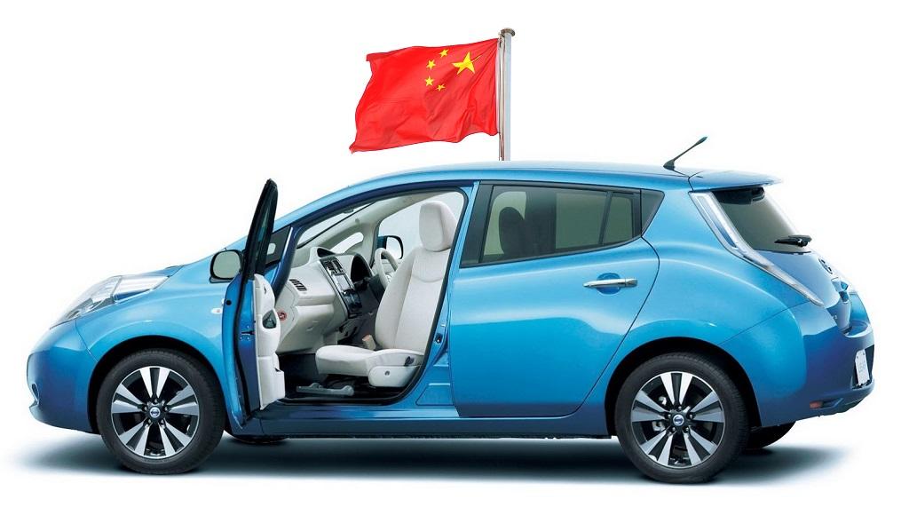 Nissan LEAF con bandera de China