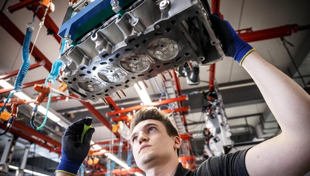 nuevo V8 Mercedes-Benz