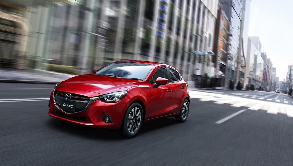 Mazda2 2015 3