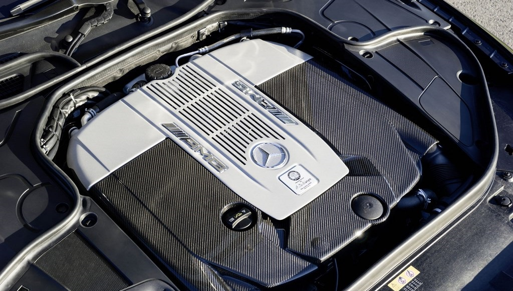 S 65 AMG Coupe motor V12
