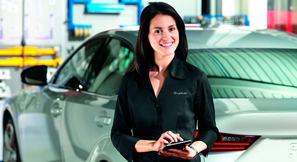 calculadora mantenimiento de Lexus