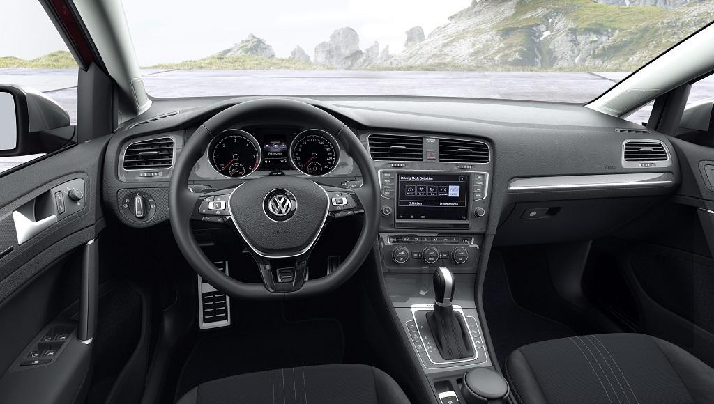 interior Volkswagen Golf Alltrack
