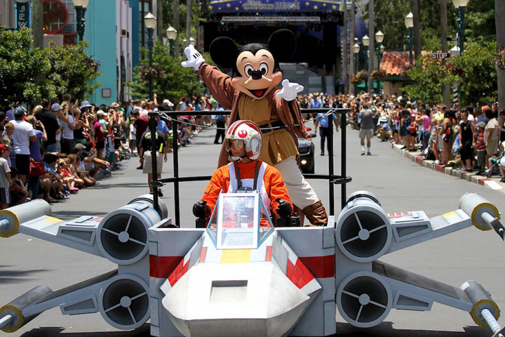 star wars mickey mouse x wing