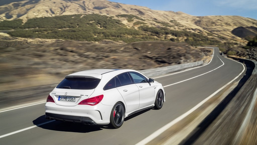 Mercedes-Benz CLA 45 AMG Shooting Brake 2