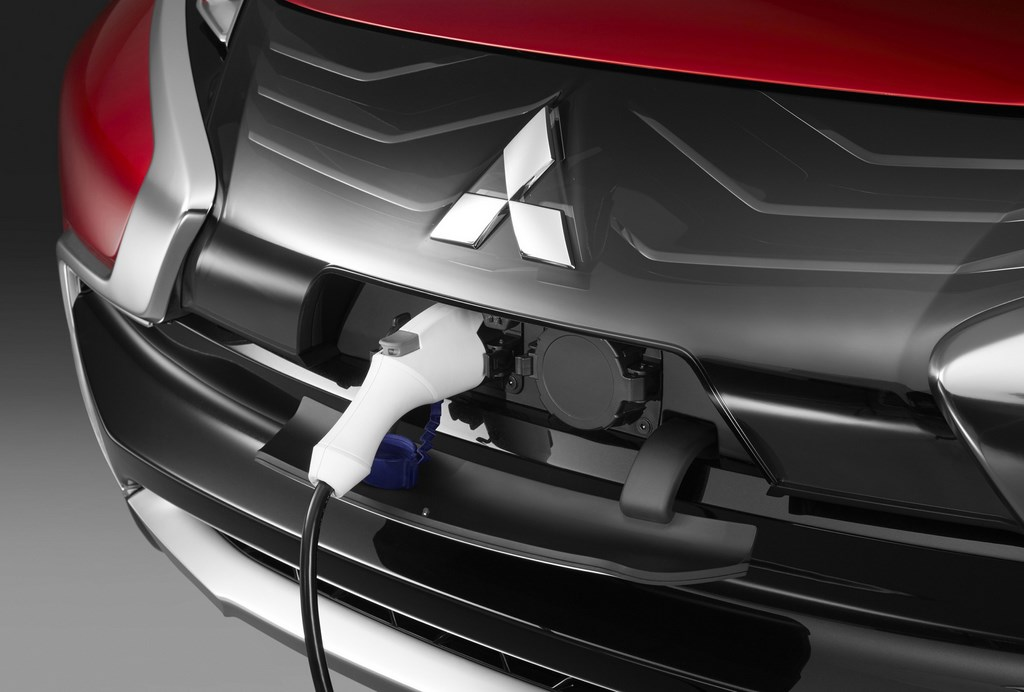 Mitsubishi XR-PHEV Concept 9