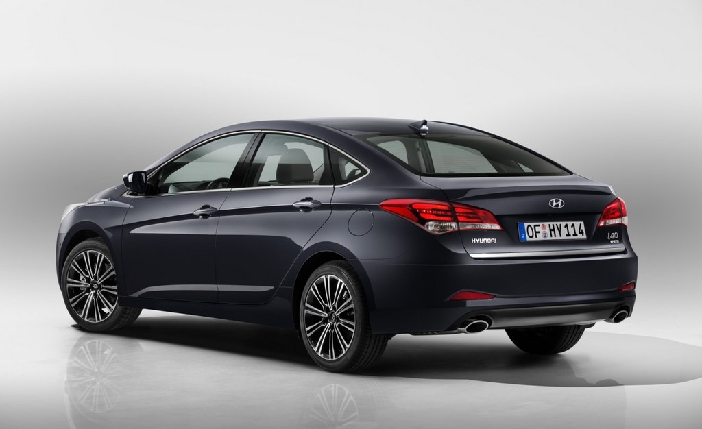Hyundai i40 2015 berlina zaga