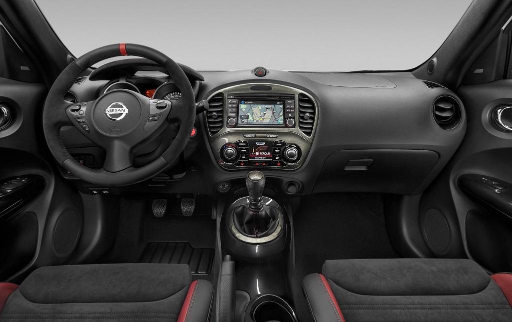 Nissan Juke NISMO RS 30 Aniversario interior