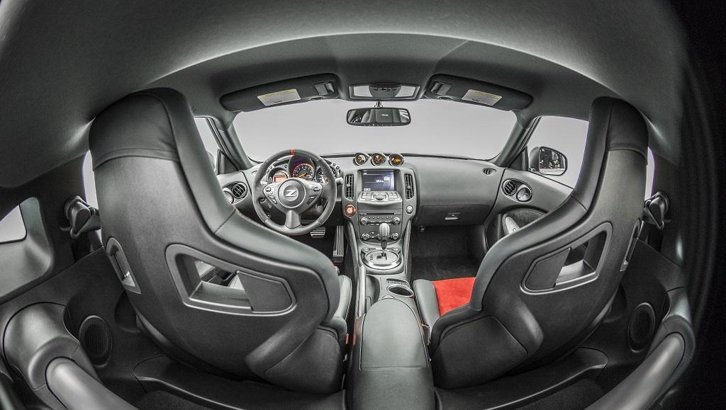 Nissan 370Z Nismo habitáculo