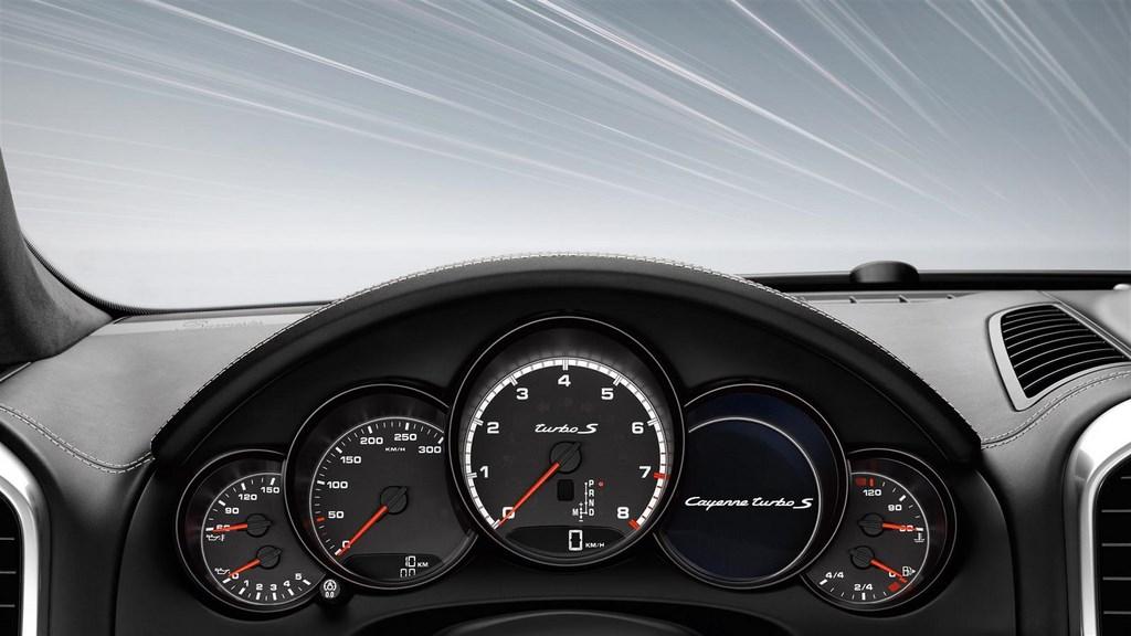 Porsche Cayenne Turbo S cuadro de instrumentos