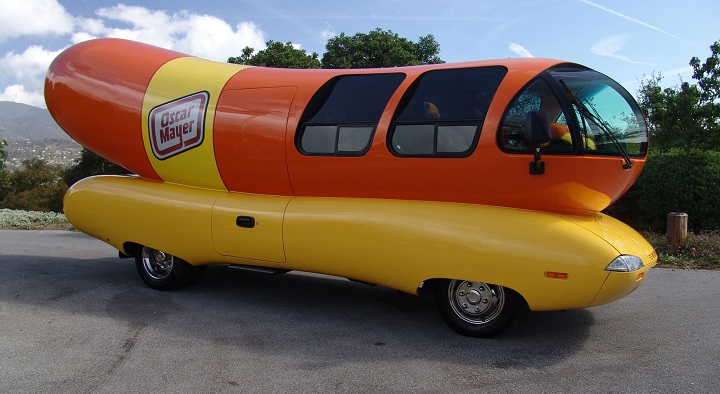 Hot Wheels Chrome furthermore Galleryother together with 262407230623 besides Oscar Mayer Wienermobile Handwash Outside Northwest Auto Salon further 293789575663357661. on oscar mayer wienermobile toy