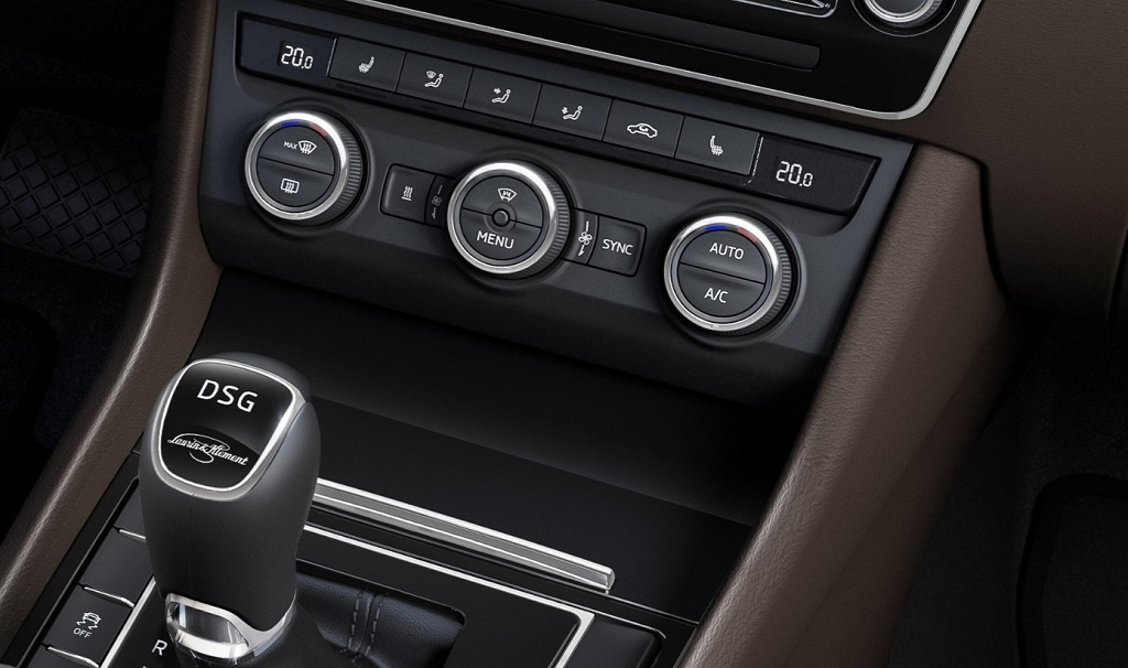 Skoda Superb 2015 controles