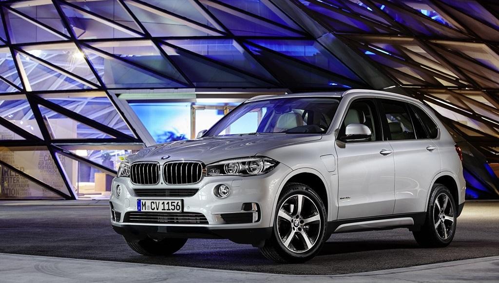 BMW X5 xDrive40e frontal tres cuartos