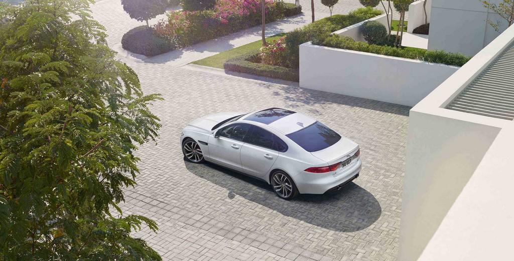 Jaguar XF 2015 9