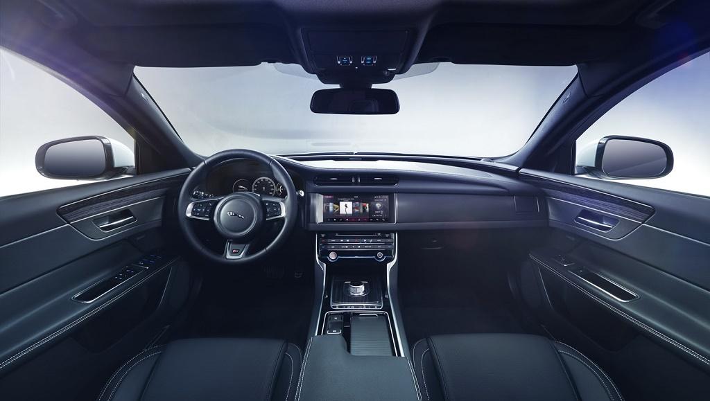 Jaguar XF segunda generacion interior