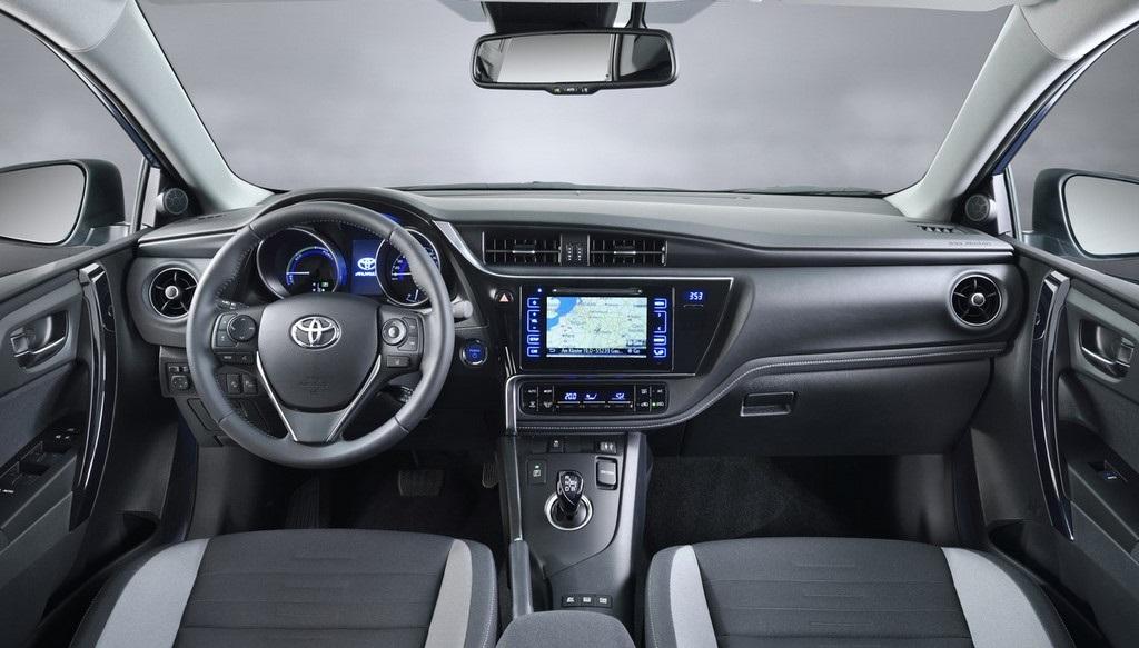 Toyota Auris 2015 20