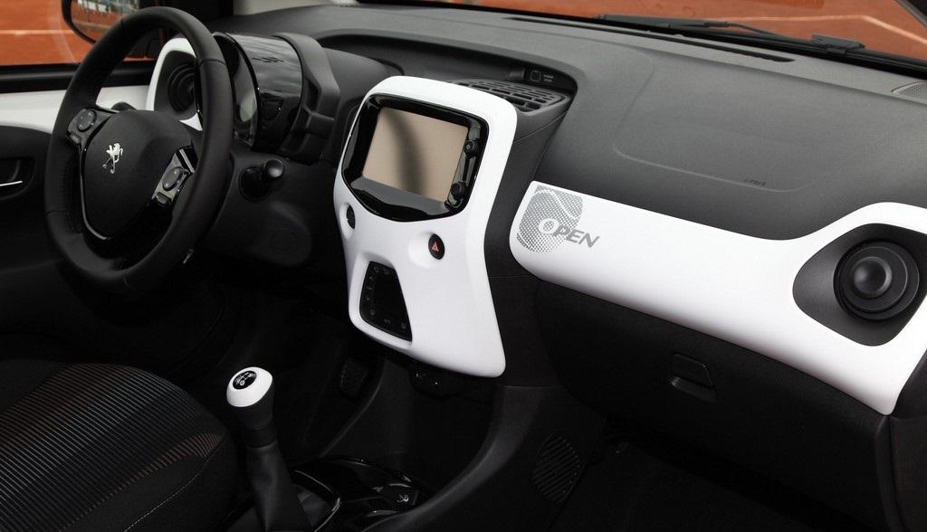 Peugeot 108 Open interior