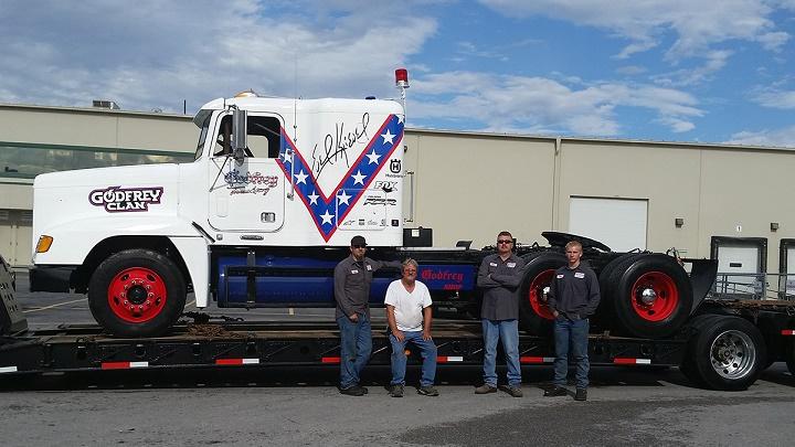 Gregg Godfrey y su camion