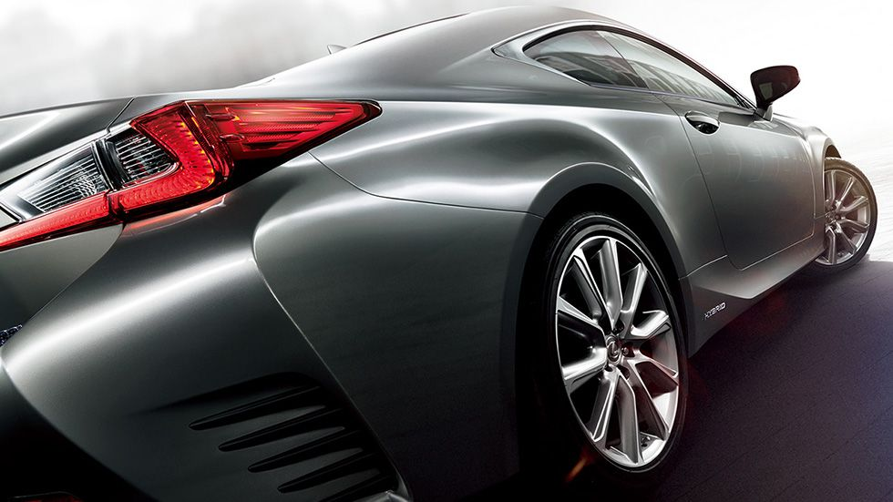 Lexus RC 300h lateral