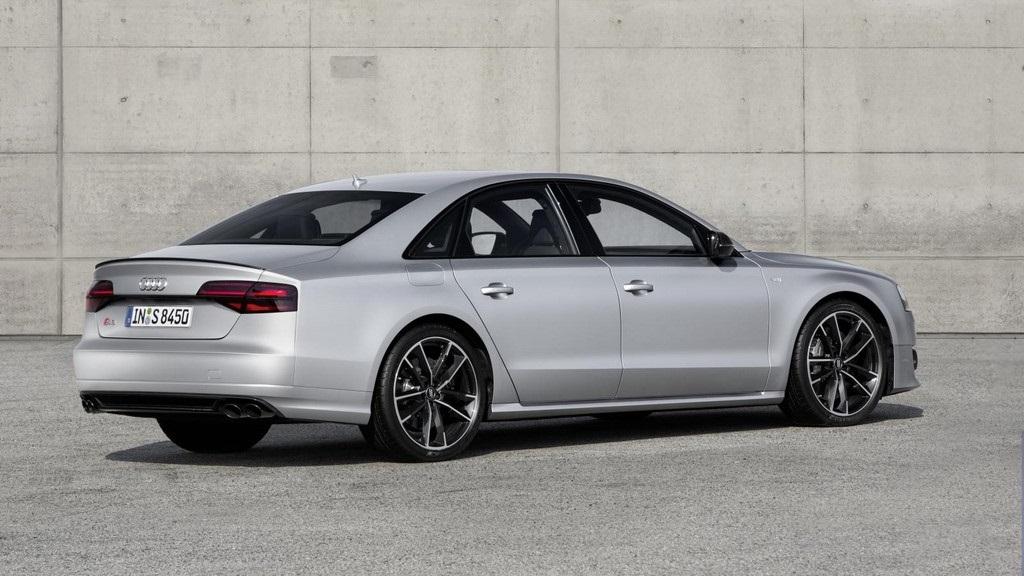 Audi S8 plus 20