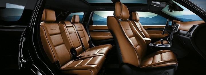 Jeep Grand Cherokee Summit Platinum interior