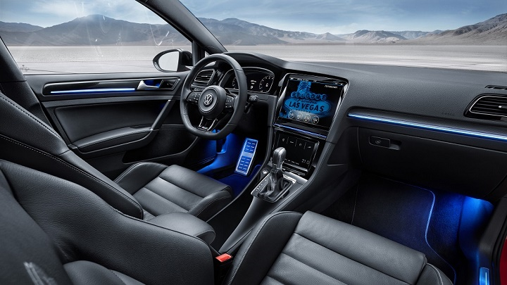 Golf R Touch interior