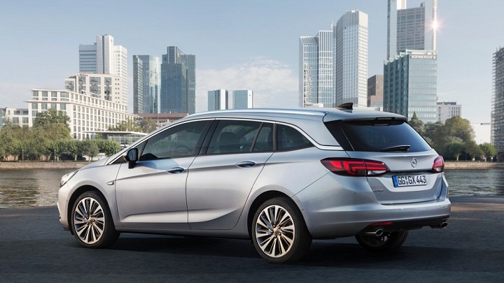 Opel Astra Sports Tourer_13