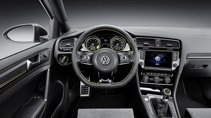 Volkswagen Golf R 400 interior