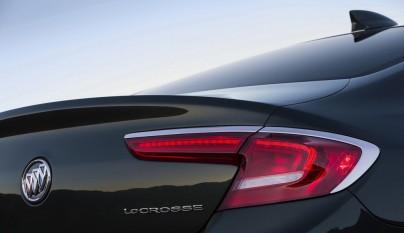 Buick LaCrosse faro trasero
