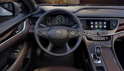 Buick LaCrosse volante
