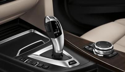BMW Serie 3 330e cambio