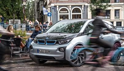 BMW i 4