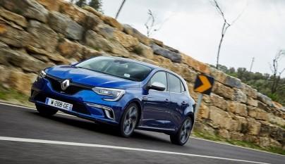 Renault Megane 2016 en movimiento 2