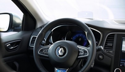Renault Megane 2016 interior 3