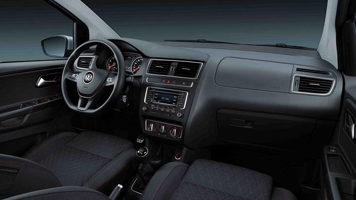 Volkswagen CrossFox 2016 interior 2